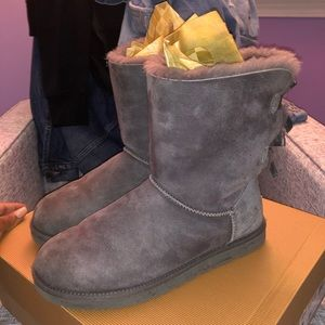 AUTHENTIC UGG Australia Bailey Bow I Grey Size 9